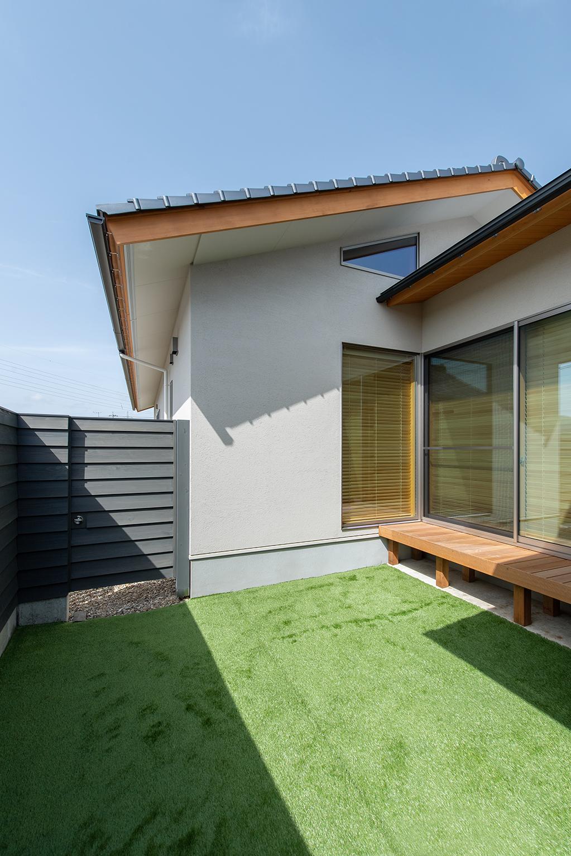 N-house 010